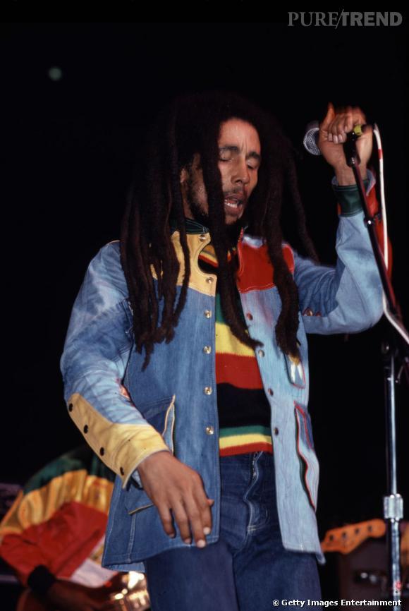 Toujours arborant les couleurs vert-jaune-rouge, Bob a créé un quiproquo : beaucoup associent ce trio au reggae alors qu'elles représentent les couleurs panafricaines.