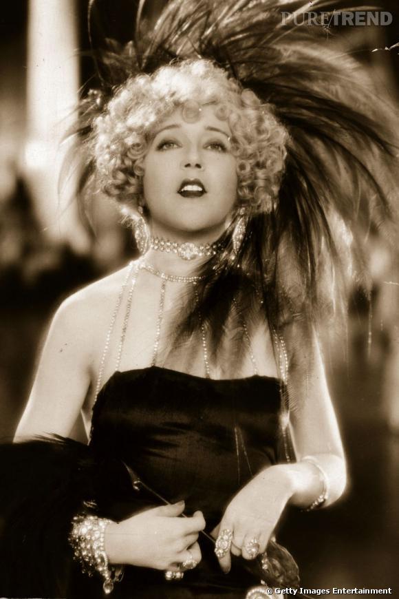 Comment on se coiffait dans les ann es folles nom mae muray coiffure la crini re est blond - Coiffure annees folles ...