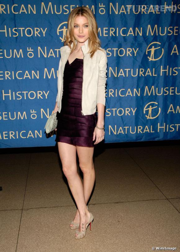Jessica Stam est une des nombreuses mannequins à avoir un tatouage sur le pied. À croire qu'ils sont vendus avec les Louboutin.