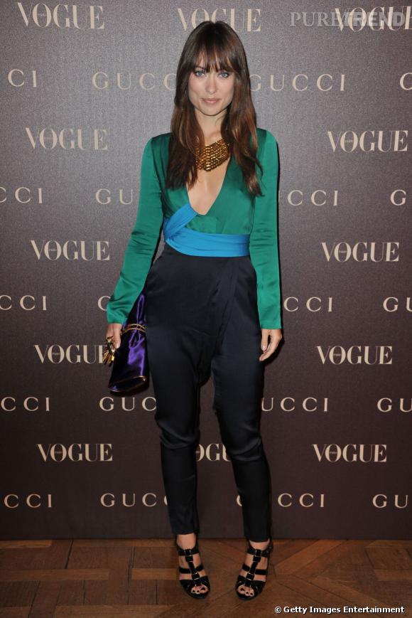 Des couleurs :   toujours en Gucci, evidemment, Olivia prouve qu'elle sait avoir des looks ultra pimentés et associe le turquoise au vert et au violet.