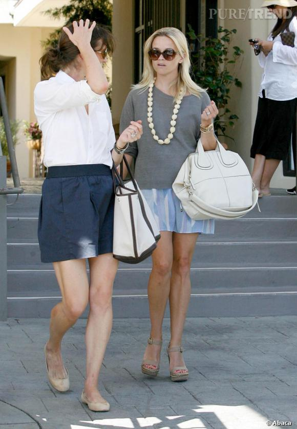 Reese Witherspoon devant Le Pain Quotidien à Los Angeles.
