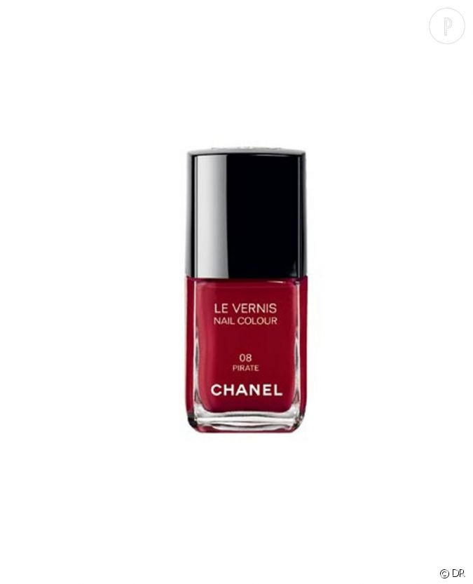 les vernis de la rentr e pirates de chanel plus qu 39 un rouge le hit de ce automne prix 20 90. Black Bedroom Furniture Sets. Home Design Ideas