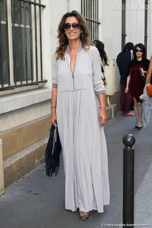 Mademoiselle Agnès se rend au défilé Balenciaga à Paris.