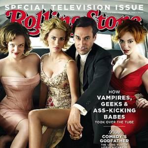 Amputation plutôt brutale d'une main pour January Jones en couverture de Rolling Stone. Rassurez-vous, Don Draper a toujours ses deux jambes, l'une est simplement repliée !