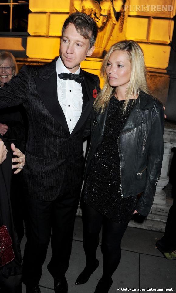 Kate aux côtés du co-fondateur du magazine Jefferson Hack qui est également le père de sa fille.