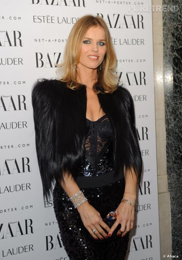 Eva Herzigova aux Harper's Bazaar Women of the Year 2011 à Londres.