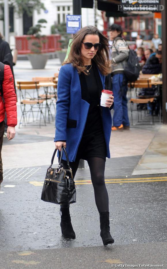 Pippa Middleton quant à elle ne quitte plus son manteau Sara Berman.