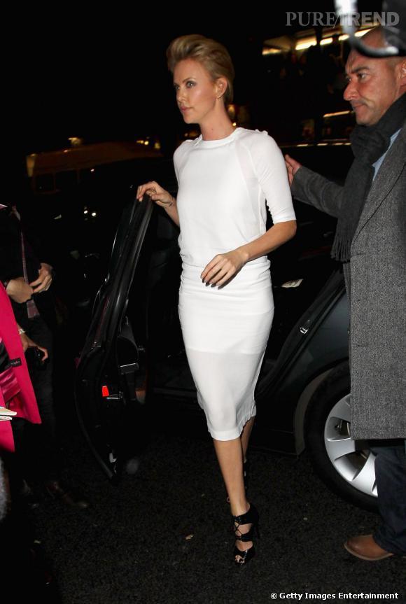 """Charlize Theron honorée à Londres pour sa carrière lors d'une soirée photo baptisée """" Bafta, A Life in Picture"""" à Londres."""