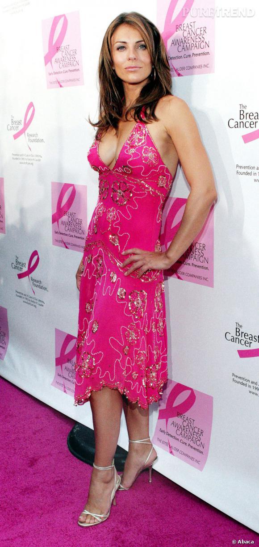 Elizabeth Hurley a fait du rose sa couleur de prédilection pour ses apparitions.