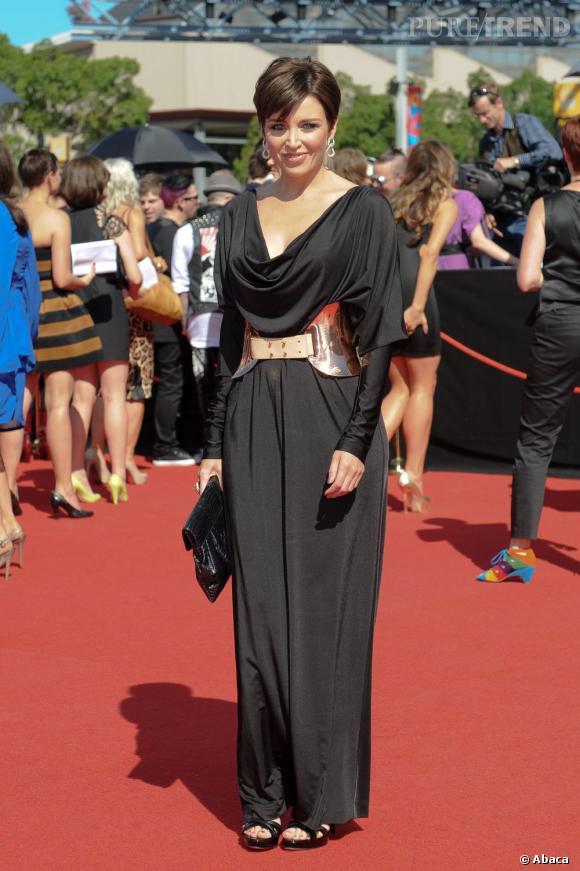 Danii Minogue a l'air empotée dans cette robe.