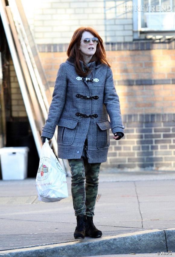 Julianne Moore dans les rues de West Village, à New York.
