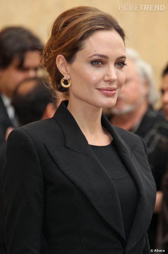 Angelina Jolie au théâtre égyptien à Hollywood, la veille des Golden Globes