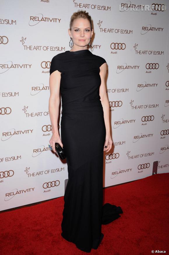 Jennifer Morrison tout en élégance et en sobriété dans sa robe KaufmanFranco.