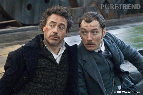 """Robert Downey Jr et Jude Law interprètent respectivement Sherlock Holmes et John Watson dans le film """"Sherlock Holmes"""" au cinéma."""
