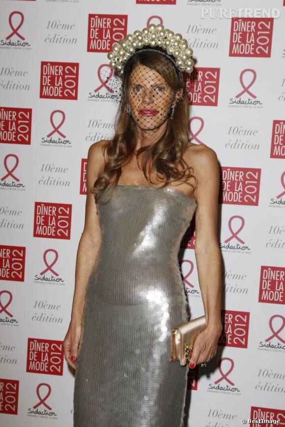 Anna Dello Russo lors du Diner de la Mode organisé par le Sidaction à Paris.