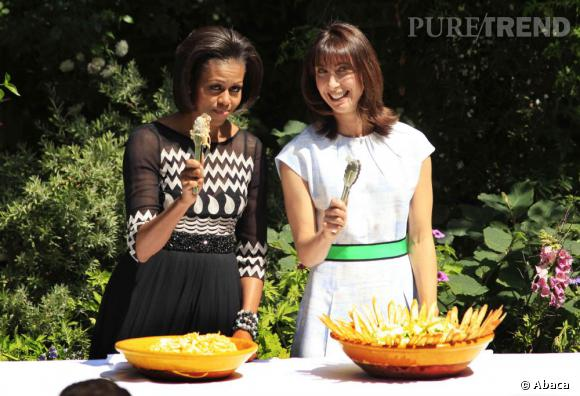 L'atelier cuisine : Jouer les bonnes ménagères, ok pour Samantha Cameron. A condition d'être tendance et accompagnée de sa pote : Michelle Obama.