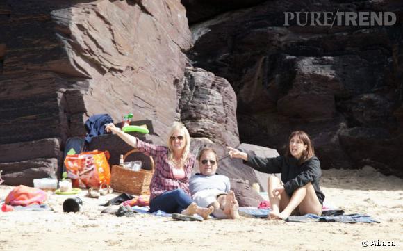 Les potes   : Samantha Cameron a des potes. Beaucoup. Et ils se font des virées ensemble à la plage, comme vous et moi.