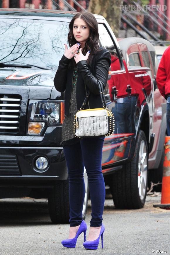 """Michelle Trachtenberg sur le tournage de la série """"Gossip Girl"""" à New York."""