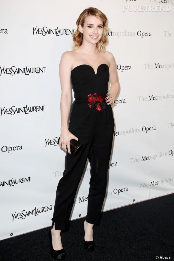 Emma Roberts, joli combi Yves Saint Laurent.