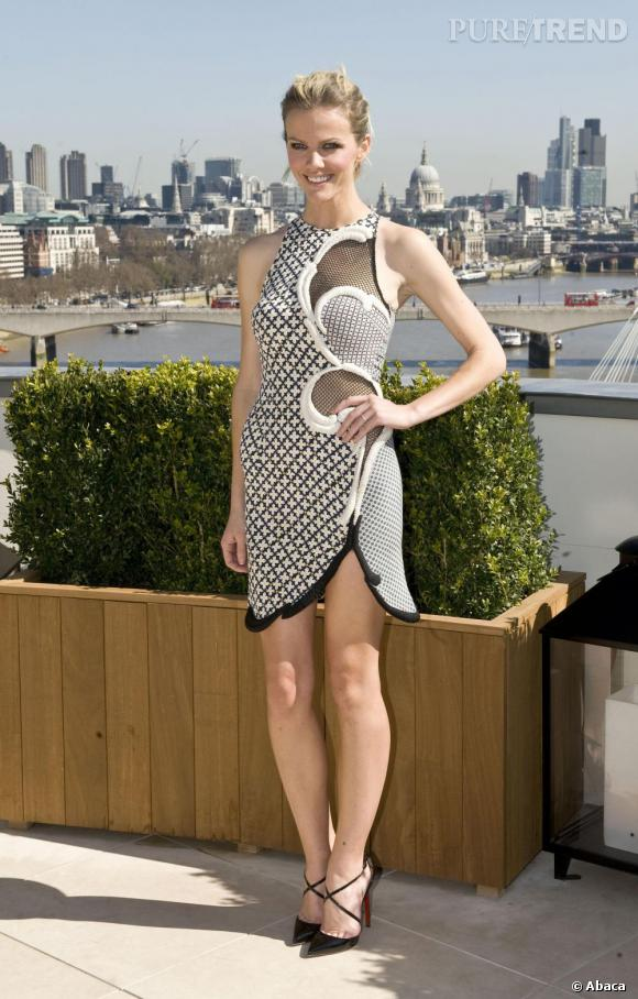 Brooklyn Decker, pleine d'audace en Stella McCartney Printemps-Été 2012.