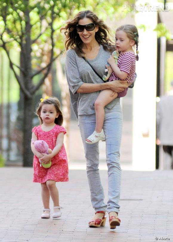 Sarah Jessica Parker et ses filles en promenade à New York.