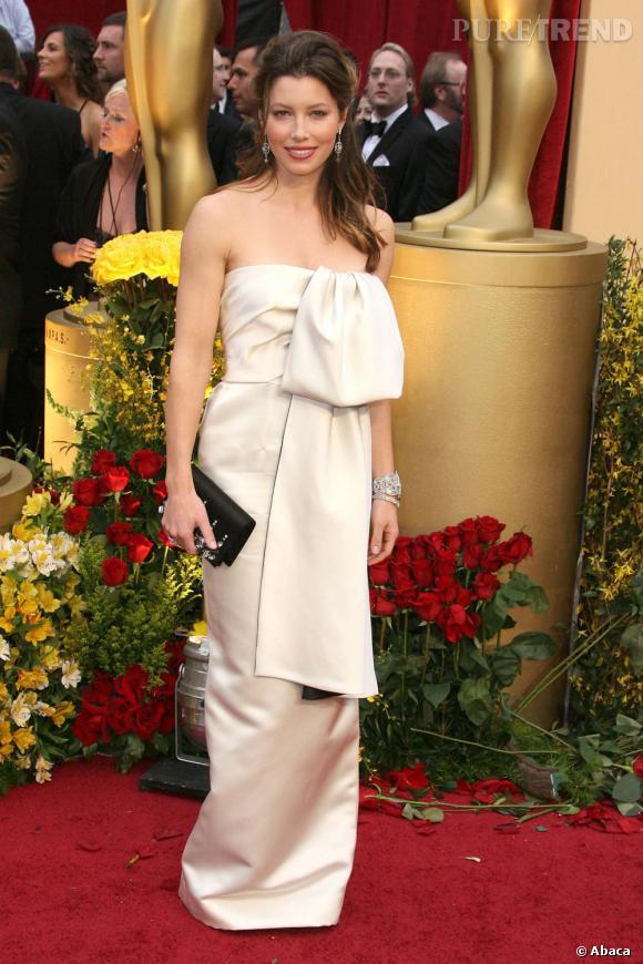 Info ou intox ?  Après sa douloureuse rupture avec Kate Bosworth, Orlando Bloom se serait précipité dans les bras de Jessica Biel courant  2006.