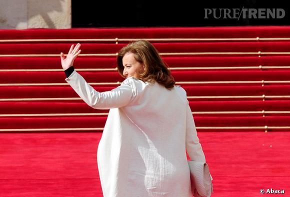 Valérie Trierweiler salue déjà comme une First Lady.