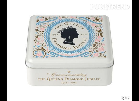 Jubilé de diamant de Queen Elizabeth II : un shopping couronné ! Boîte en métal avec shortbreads Marks & Spencer, 7,50 €