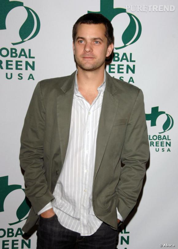 En 2007 :  l'acteur est plutôt du genre casual chic et cela lui réussit.