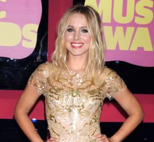 Kristen Bell vs Karolina Kurkova : la robe en sequins dorés