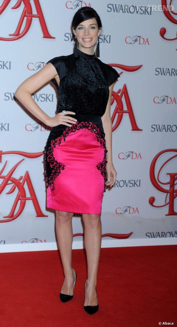Jessica Paré au 2012 CFDA Fashion Awards adopte la tendance fluo.