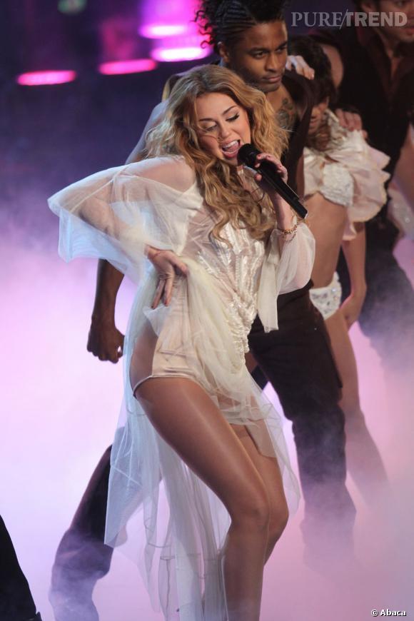 Miley Cyrus avait de jolis rêves de chasteté avant de rencontrer son ancien petit ami Justin Gaston. Fini l'amour après le mariage, Miley a vite oublié les principes de son premier boyfriend Nick Jonas en 2008. Fraichement fiancée à Liam Hemsworth, la jeune femme devrait rapidement rentrer dans le rang...