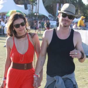 Le couple de Vampire Diaries sait aussi apprécier la nature. Ils profitent du Festival Coachella pour se détendre