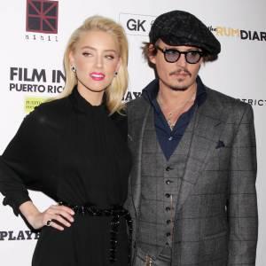 """Amber Heard : Nouvelle bombe d'Hollywood, il s'agit de sa partenaire dans le film """"Rhum Express"""" belle et wild, elle lui ferait oublier la crise de la cinquantaine."""