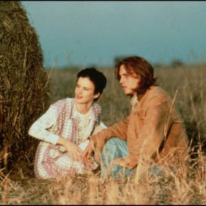 """1993 - Juliette Lewis : Alors qu'il tourne dans le film """"Gilbert Grapes"""" avec Leonardo Dicaprio, il s'entiche de sa partenaire Juliette Lewis. Une idylle de très courte durée même si ils ont également été fiancés, décidément Monsieur est un habitué !"""