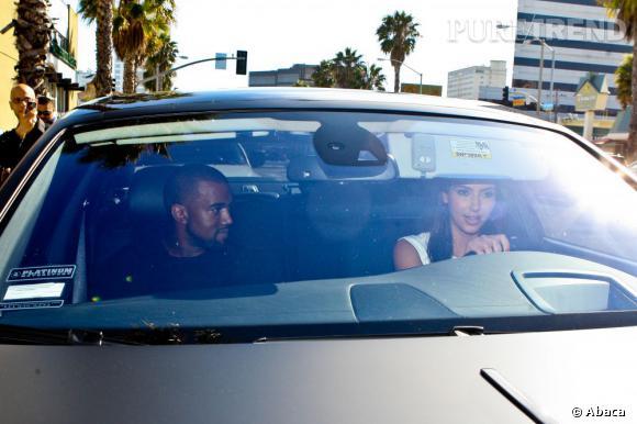 Kim Kardashian et Kayne West aiment les voitures bling bling.