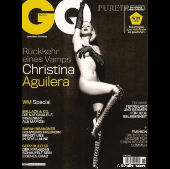 Christian Aguilera joue les effeuilleuses en couverture du GQ allemand.