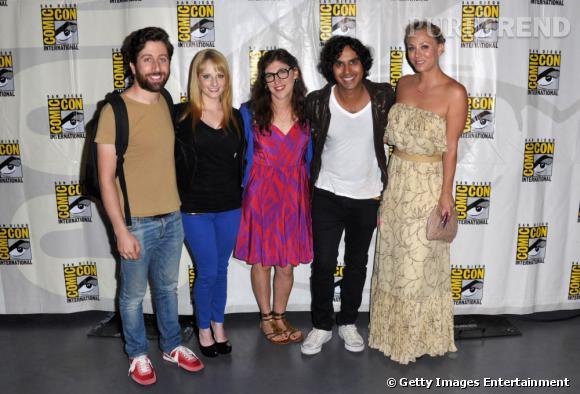 "Une grande partie de l'équipe de ""Big Bang Theory"" : Simon Helberg, Melissa Rauch, Mayim Bialik, Kunal Nayyar et Kaley Cuoco."