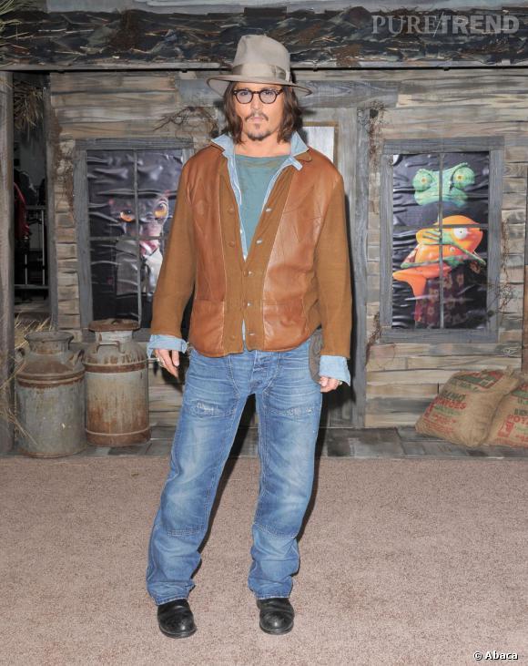 """Johnny Depp vient de confirmer qu'il allait prêter sa voix à un personnage dans """"Family Guy""""... Lequel ? Celui de """"Edward aux mains d'argents"""" !"""