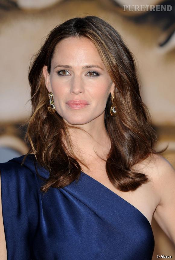 """Dans la catégorie """"Je veux les joues de"""" : Jennifer Garner      A la recherche du visage parfait, beaucoup de femme n'hésitent pas à se refaire faire les joues. Parmi les pommettes les plus demandées, celles de Jennifer Garner."""