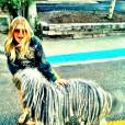 Fergie et un chien à dreadlocks.