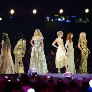 Si l'Angleterre est connue pour son répertoire musical impressionnant, elle l'est aussi pour sa mode et ses supers tops. Parmi elles Kate Moss, Naomi Campbell, Georgia May Jagger, Lily Donaldson et Stella Tennant.