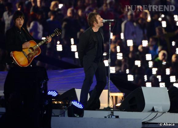 """Impossible de parler musique anglaise sans évoquer Oasis. Ici Liam Gallagher qui interprète """"Wonderwall""""."""