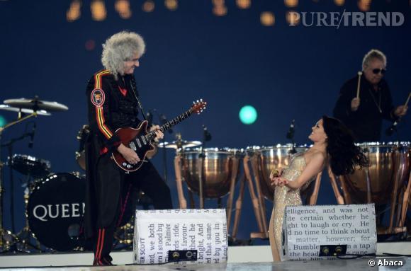 "Incroyable duo entre Queen et Jessie J pour ""We will rock you""."