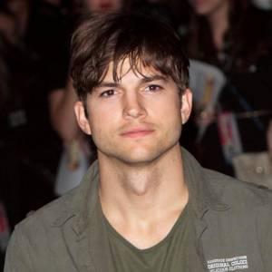 Ashton Kutcher est l'acteur le mieux payé de la télé, avec 700 000$ par épisode...