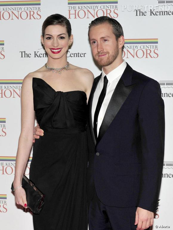 Anne Hathaway, une nouvelle future mariée à Hollywood.
