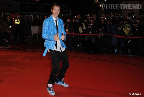 """Suicide, accident, meurtre... Le pauvre Justin Bieber a l'habitude de mourir sur Twitter. Au point qu'il lui est déjà arrivé de poster """"Dead Again ????""""."""
