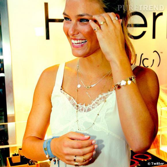 Colliers, bracelets et bagues, la collection réserve de jolies surprises.