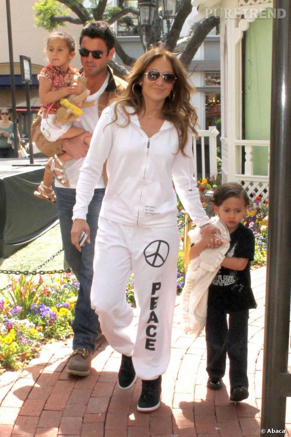 Jennifer Lopez a aussi des jumeaux : une fille, Emme et un garçon, Max.