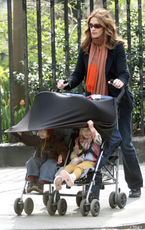 Julia Roberts, également mère de faux-jumeaux :   Phinnaeus Walter et Hazel Patricia .
